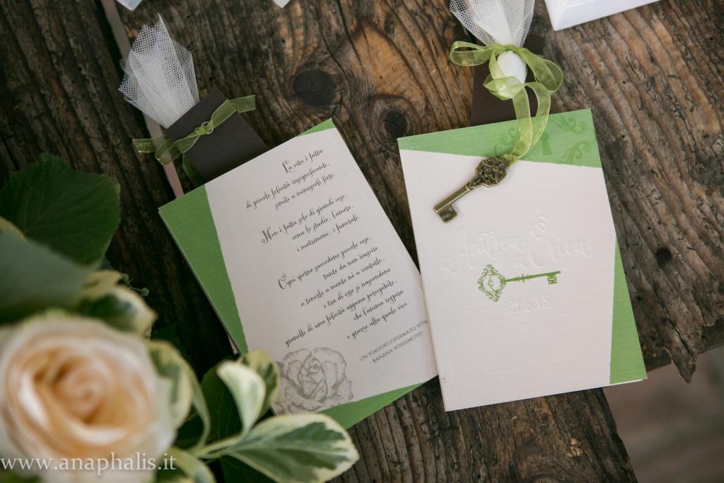 matrimonio chiavi e libri anaphalis