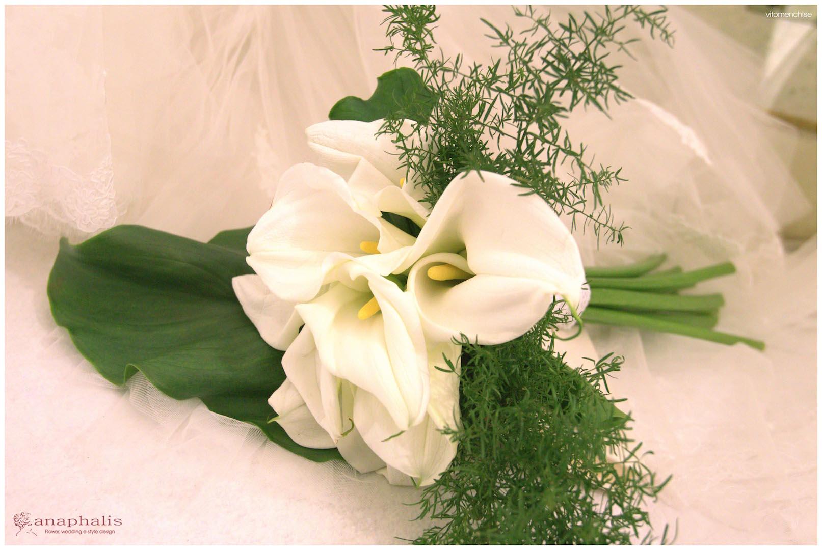 Bouquet Sposa Moderni.Come Scegliere Il Bouquet Da Sposa In Base All Abito 2 Esempi