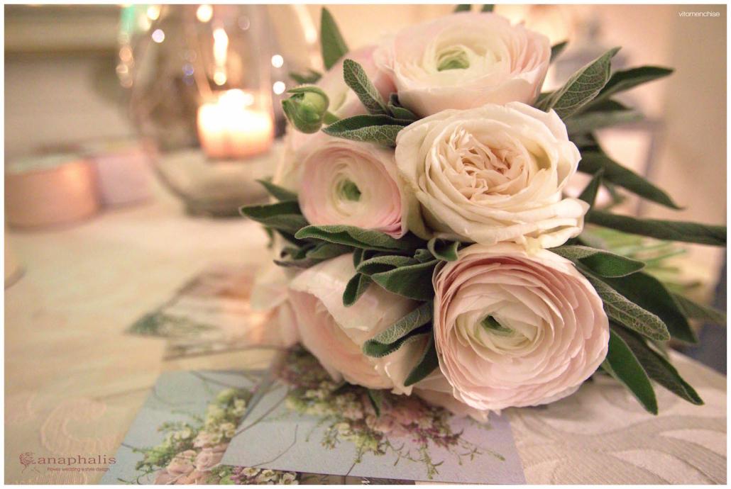 bouquet_ranuncoli_rosa_anaphalis