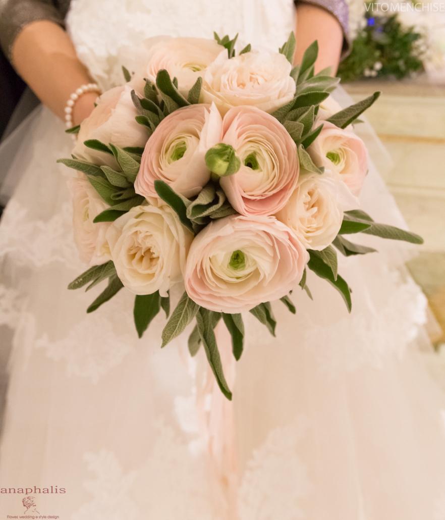 Tema Matrimonio Rosa Quarzo : Come scegliere il bouquet in base allabito da sposa: 3 esempi