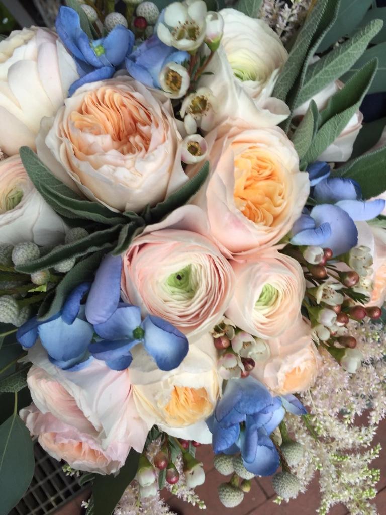 Come abbinare il Bouquet Shabby Chic all'abito da Sposa