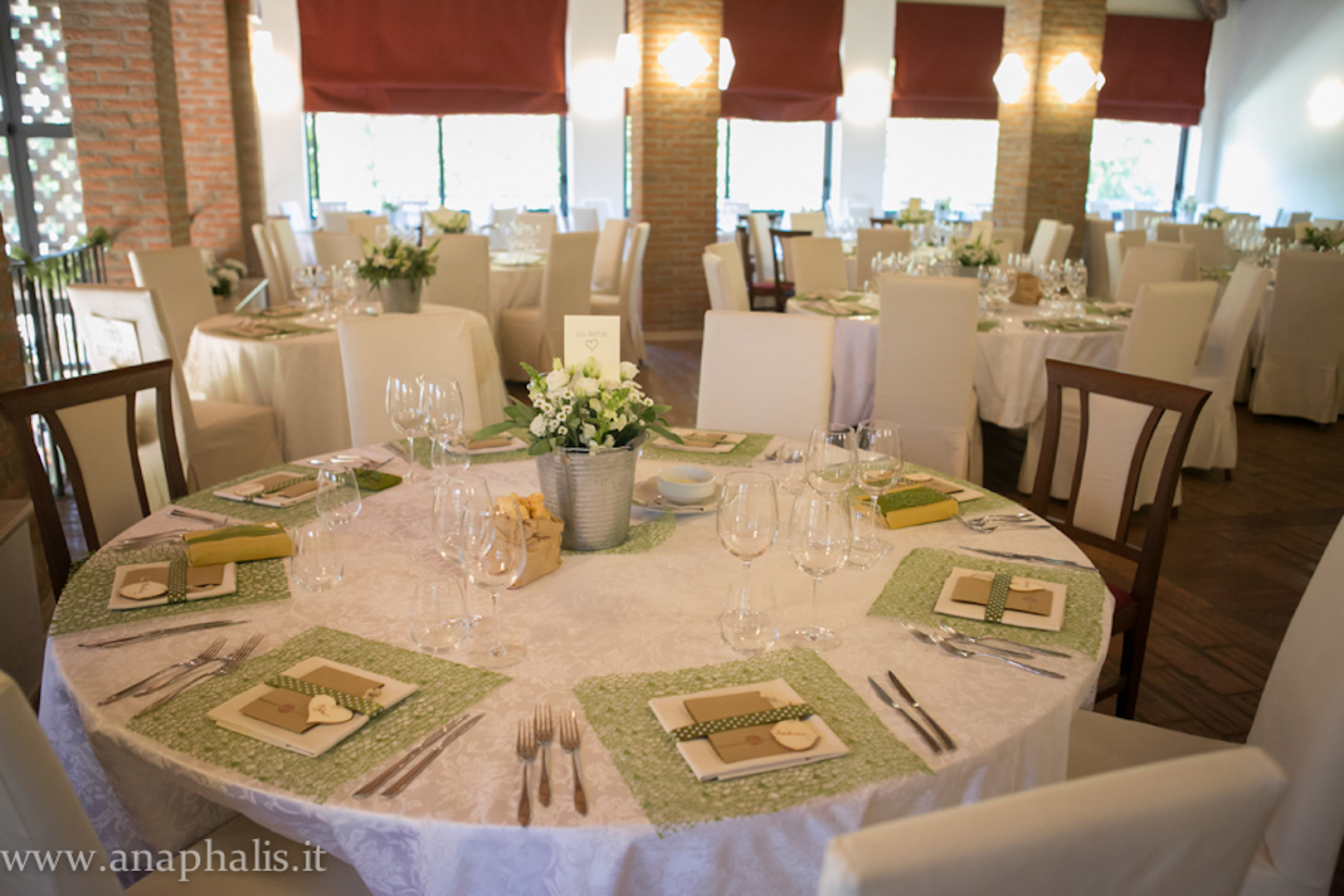 Matrimonio Country Chic Hotel : Matrimonio country chic in bianco e verde fioreria