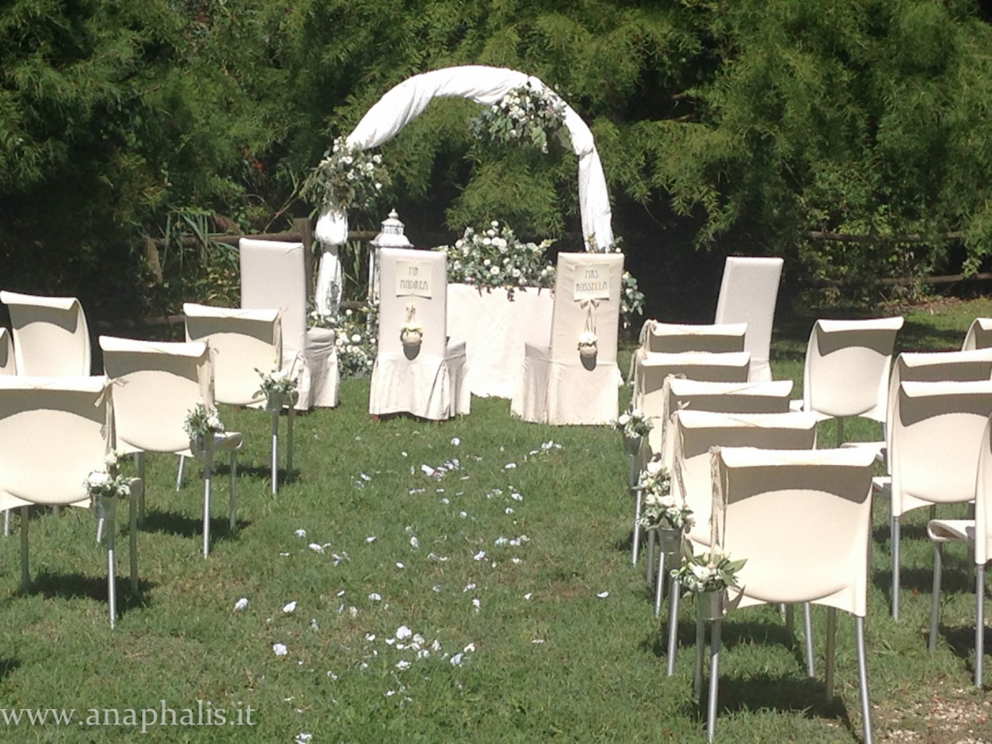 Matrimonio Country Chic Pavia : Matrimonio country chic in bianco e verde fioreria
