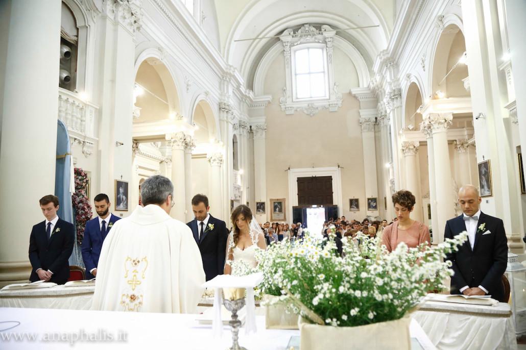 Matrimonio Simbolico In Chiesa : Come allestire la chiesa per il tuo matrimonio esempi