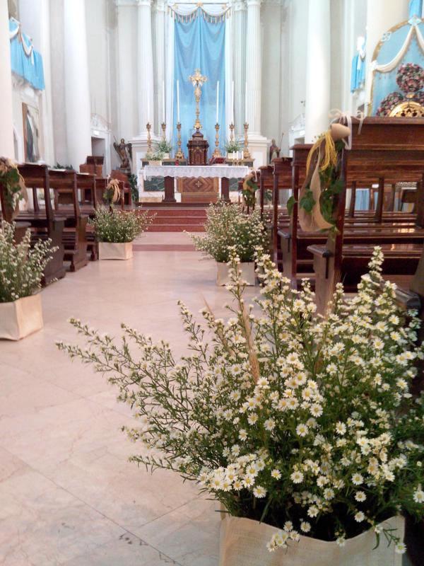 Matrimonio Country Chic Chiesa : Come allestire la chiesa per il tuo matrimonio esempi